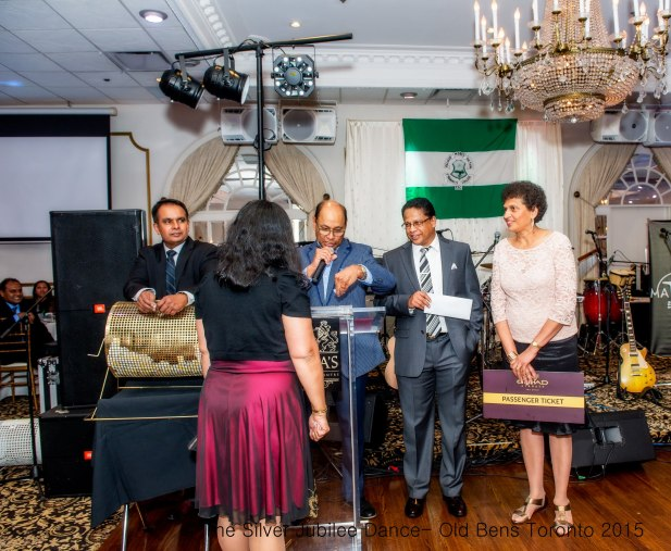 The Silver Jubilee Dance- Old Bens Toronto-154